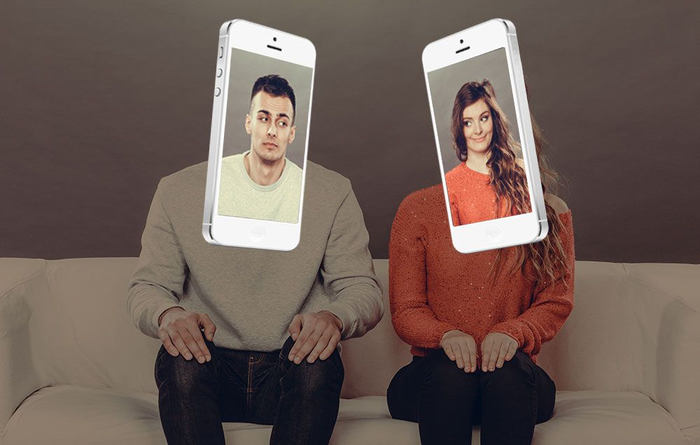 STUDY: Your Cell Phone Addiction Could Be Killing Your Relationship
