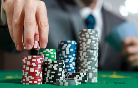 The (Legal) Poker Trick to Win Big Money | Men's Health