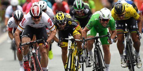 Cavendish sprints to win stage 3 of 2016 Tour de France
