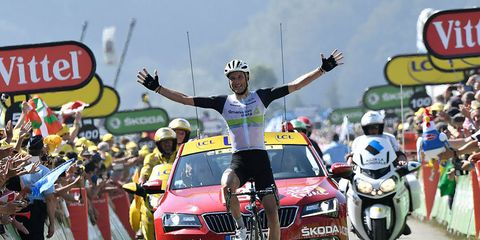Steve Cummings solos to stage 7 victory