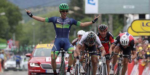 Michael Matthews wins stage 10