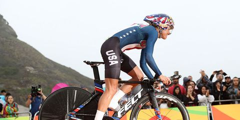 Kristin Armstrong starts 2016 Olympic Time Trial