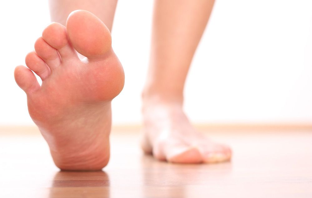 Why You Should Examine the Bottom Of Your Feet Once a Year