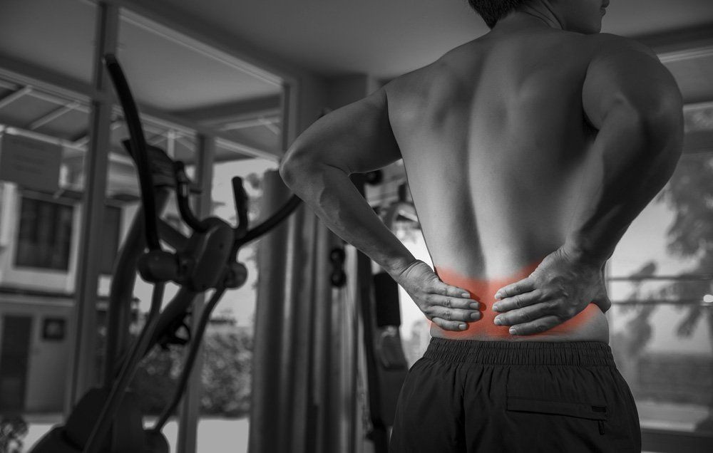 This Common Squat Mistake Could Seriously Injure Your Lower Back