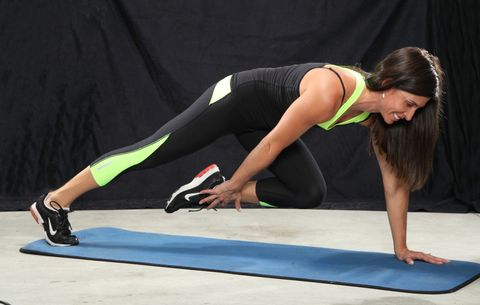 3 Steps To Mastering A Push-Up That Will Tone Your Abs And Arms