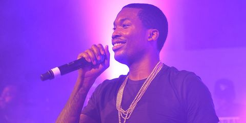 meek mill falls down icy stairs