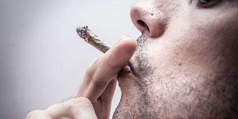 Smoking pot and vomiting