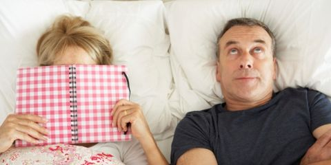 Comfort, Textile, T-shirt, Linens, Pattern, Throw pillow, Pillow, Cushion, Plaid, Bedding,