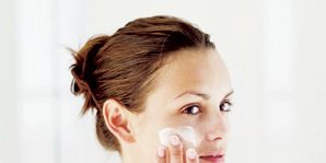 Ear, Lip, Cheek, Finger, Hairstyle, Skin, Chin, Forehead, Eyebrow, Eyelash,