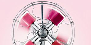 Glass, Magenta, Circle, Material property, Silver, Transparent material, Sphere, Steel, Mechanical fan,