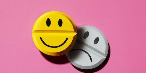 Emoticon, Smiley, Happy, Pink, Facial expression, Purple, Colorfulness, Magenta, Icon, Violet,