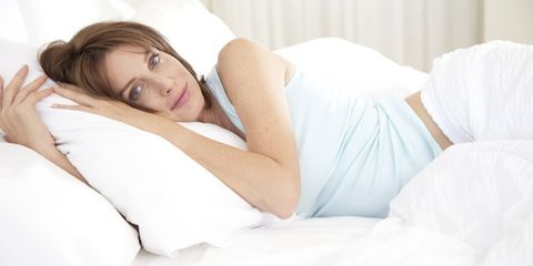 Comfort, Skin, Shoulder, Elbow, Textile, Joint, Human leg, Linens, Beauty, Bedding,