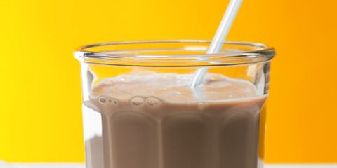 Brown, Drink, Liquid, Tableware, Glass, Drinking straw, Smoothie, Non-alcoholic beverage, Transparent material, Health shake,