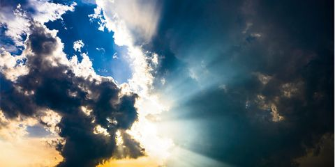 Daytime, Atmosphere, Cloud, Sunlight, Colorfulness, Atmospheric phenomenon, Cumulus, Light, Azure, Morning,