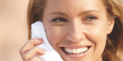 Mouth, Lip, Smile, Cheek, Skin, Hairstyle, Chin, Forehead, Eyebrow, Eyelash,