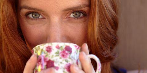 Eyelash, Nail, Cup, Beauty, Brown hair, Drinking, Blond, Close-up, Cup, Mug,