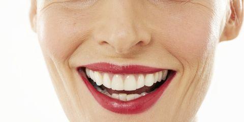 The 2-Step Lip Plumper Massage
