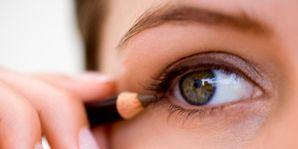 Finger, Brown, Skin, Eyebrow, Eyelash, Iris, Nail, Organ, Beauty, Photography,