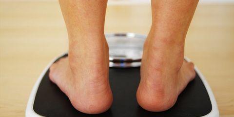 Human leg, Joint, Toe, Foot, Knee, Muscle, Calf, Ankle, Tan, Balance,