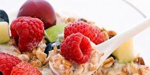 Food, Fruit, Sweetness, Natural foods, Ingredient, Produce, Frutti di bosco, Cuisine, Berry, Tableware,