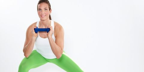 Finger, Shoulder, Human leg, Elbow, Standing, Joint, Wrist, Active pants, Knee, Mobile phone,