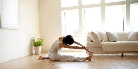Wood, Floor, Flooring, Human body, Room, Interior design, Couch, Wood flooring, Flowerpot, Laminate flooring,