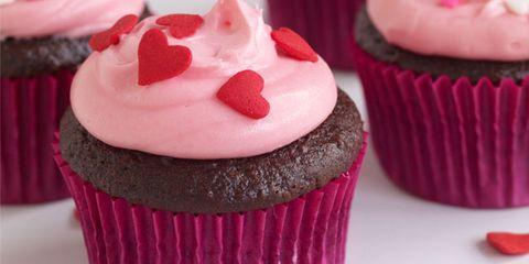 Cupcake, Food, Sweetness, Baked goods, Dessert, Red, Cuisine, Ingredient, Pink, Magenta,
