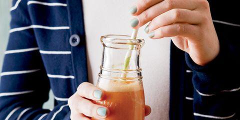 Liquid, Fluid, Finger, Sleeve, Beer, Drink, Beer glass, Collar, Barware, Alcohol,