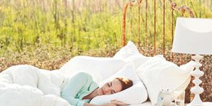 Comfort, White, Linens, Nap, Sleep, Bedding, Bedroom, Bed sheet, Blanket, Home accessories,