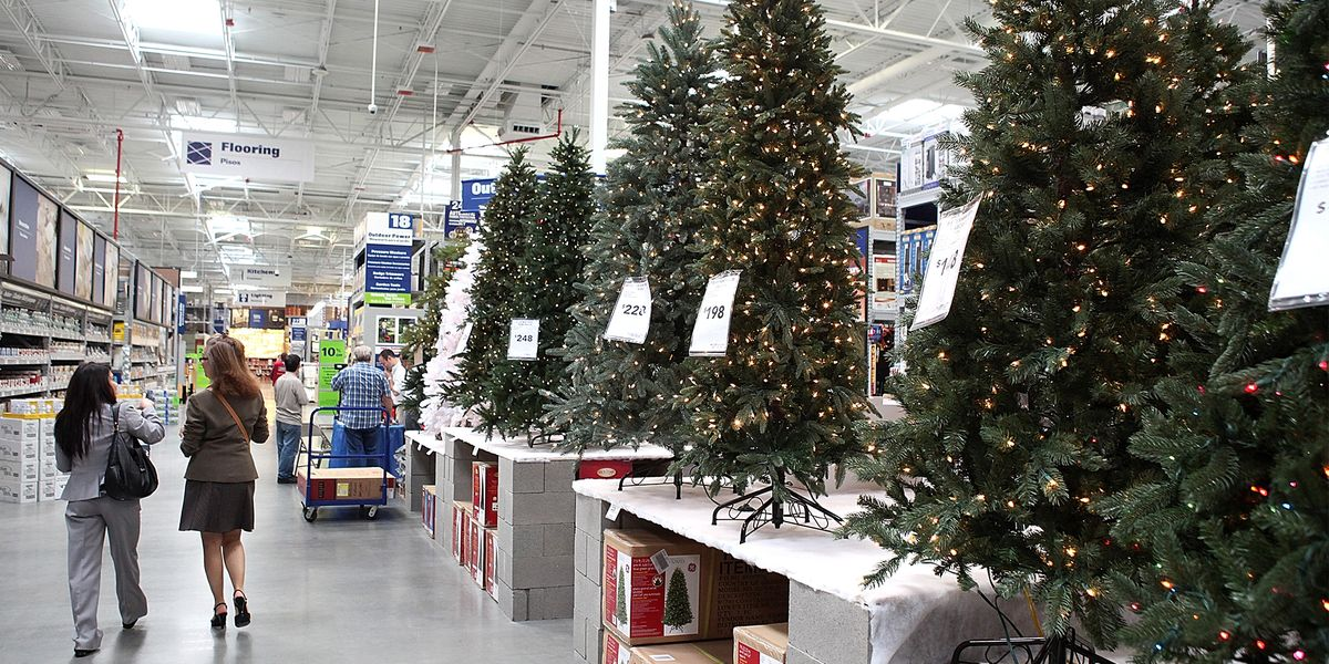 Over 100,000 Artificial Christmas Trees That Were Bought Last Year Are Being Recalled