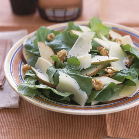 Arugula , pear and walnut salad