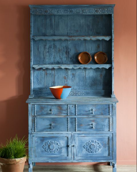 How To Chalk Paint Furniture According Inventor Annie Sloan