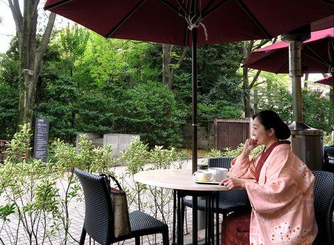 ピンクの羽織をお召しの朝香さん