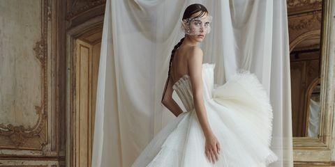 1826c41182a3 Abiti da Sposa 2019  modelli e tendenze dall Haute Couture di Parigi