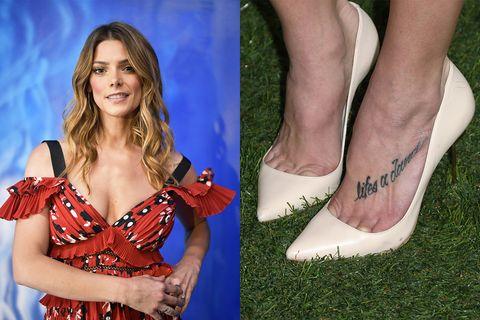 Footwear, Leg, Human leg, Shoe, Ankle, Electric blue, Foot, Toe, Sandal, Nail,