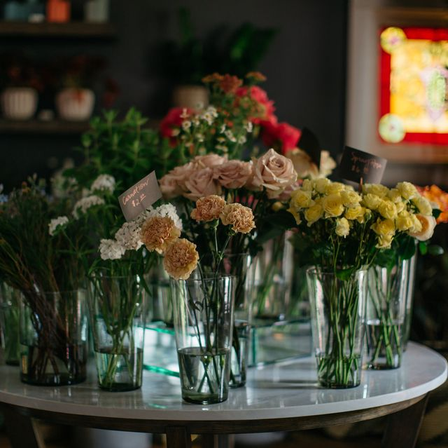 flower, floristry, flower arranging, floral design, bouquet, plant, cut flowers, centrepiece, yellow, artificial flower,
