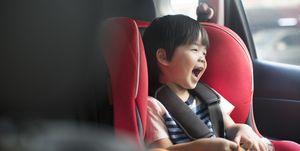 trucos para que los niños no se mareen en el coche