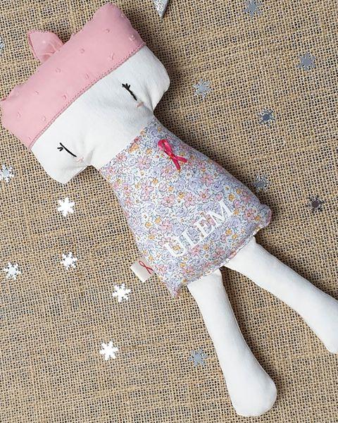 muñeca lolita día mundial contra el cancer de mama