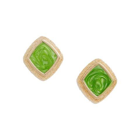 Goudkleurige oorbellen met groene hars knopjes
