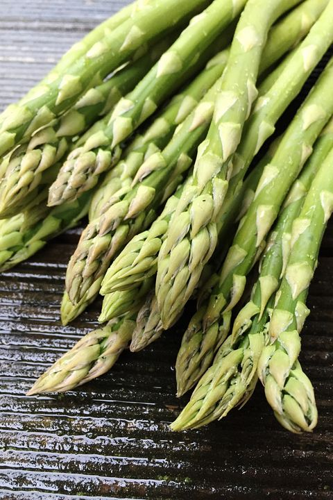 asparagus helps a bloated stomach