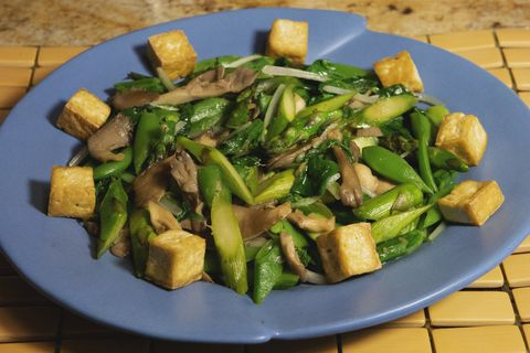 asparagus sweet snap and oyster mushroom and tofu stirfry