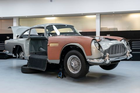 Check Out the Aston Martin DB5 Continuation's Working James Bond Gadgets