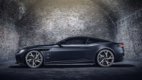 aston martin 007 cars