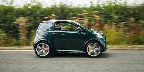 Land vehicle, Vehicle, Car, Motor vehicle, Automotive design, Alloy wheel, Wheel, Hatchback, City car, Rolling,