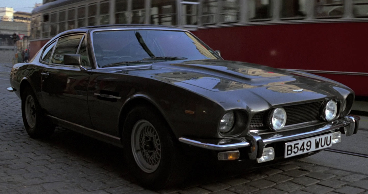 Bond 25 Will Reportedly See A Classic Aston Martin Return But Not That One