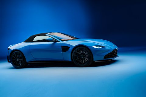 Land vehicle, Vehicle, Car, Sports car, Automotive design, Performance car, Personal luxury car, Supercar, Coupé, Aston martin v8 vantage (2005),