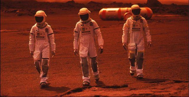 representación de astronautas caminando por marte