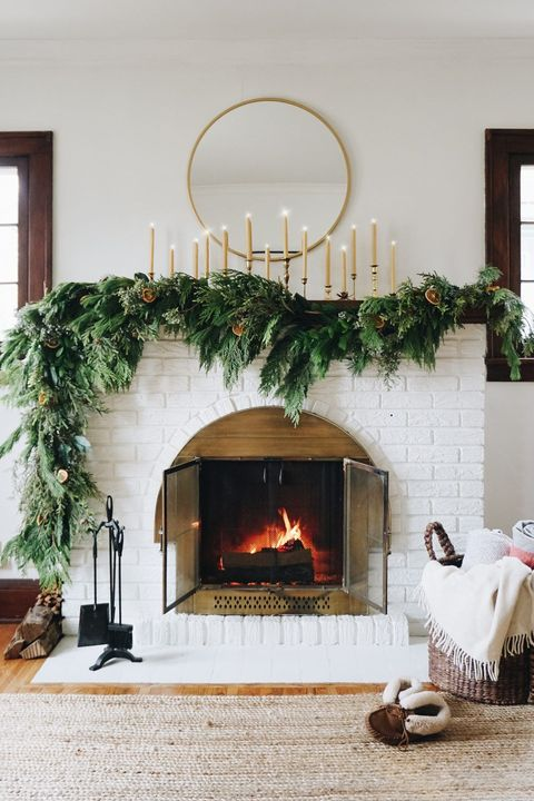 asymmetrical garland diy christmas mantel decor