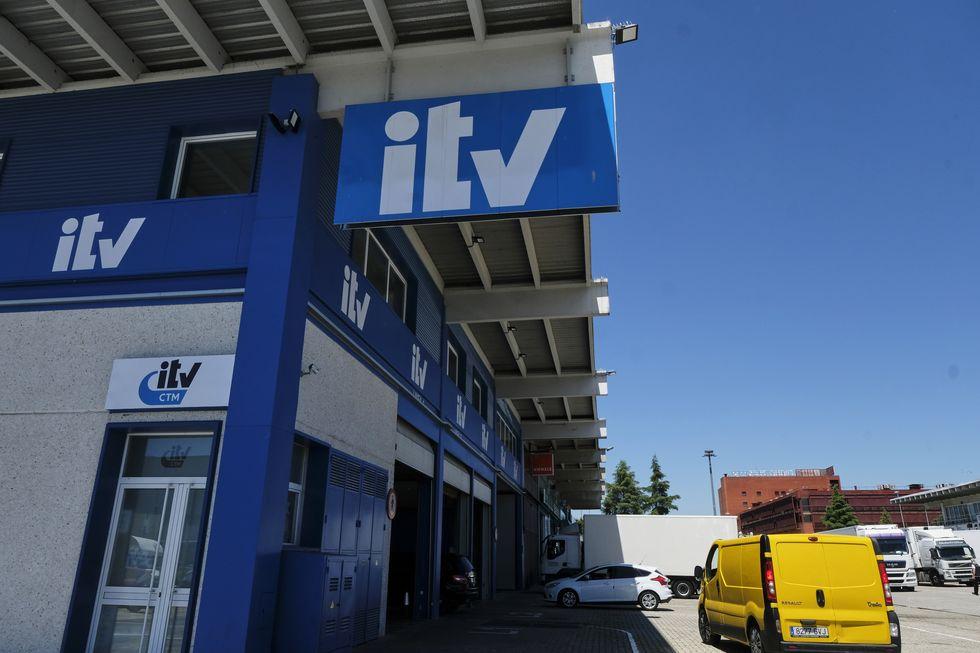 ¿Me cubre el seguro del coche si tengo la ITV caducada?