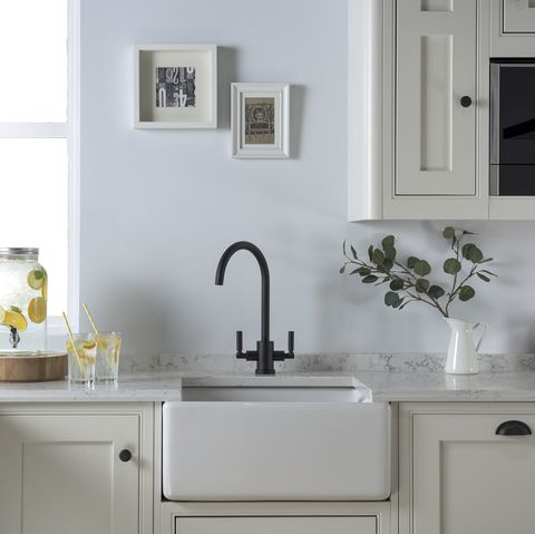how to clean sink